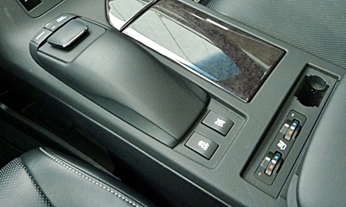 Lexus RX Photos: 2013 Lexus RX 350 seat heater controls