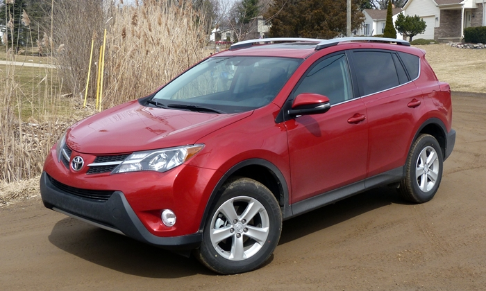 RAV4 Reviews: 2013 Toyota RAV4 XLE front quarter view