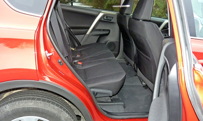 RAV4 Reviews: 2013 Toyota RAV4 XLE rear seat