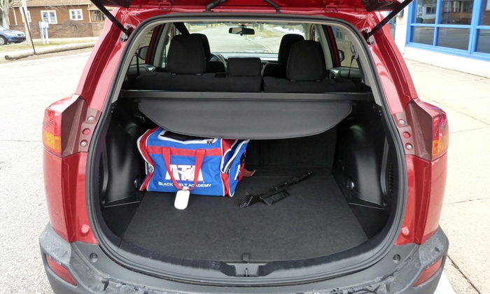 Toyota Rav4 Photos 2017 Cargo Area With Seat Up