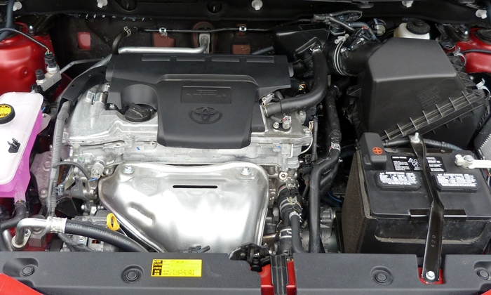RAV4 Reviews: 2013 Toyota RAV4 engine