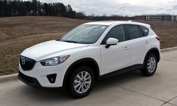 2014 Mazda CX-5 Touring front quarter view
