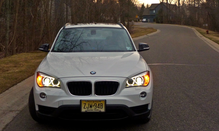 X1 Reviews: 2013 BMW X1 xDrive28i front