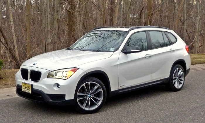 X1 Reviews: 2013 BMW X1 xDrive28i front quarter dusk