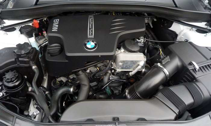 X1 Reviews: 2013 BMW X1 xDrive28i engine