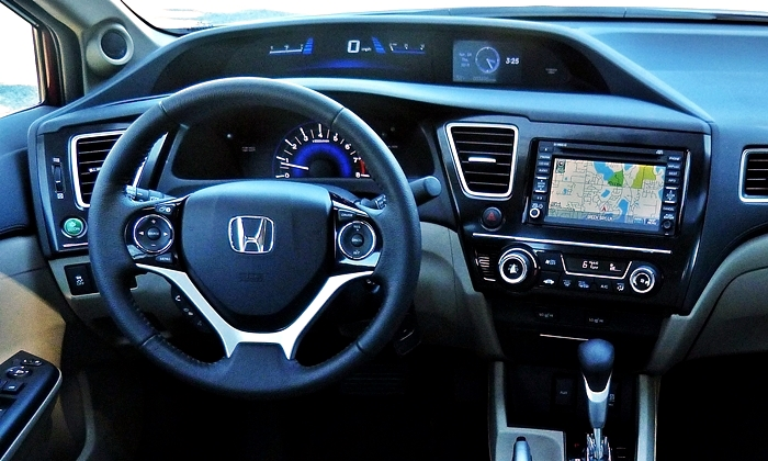 Civic Reviews: 2013 Honda Civic EX-L instrument panel