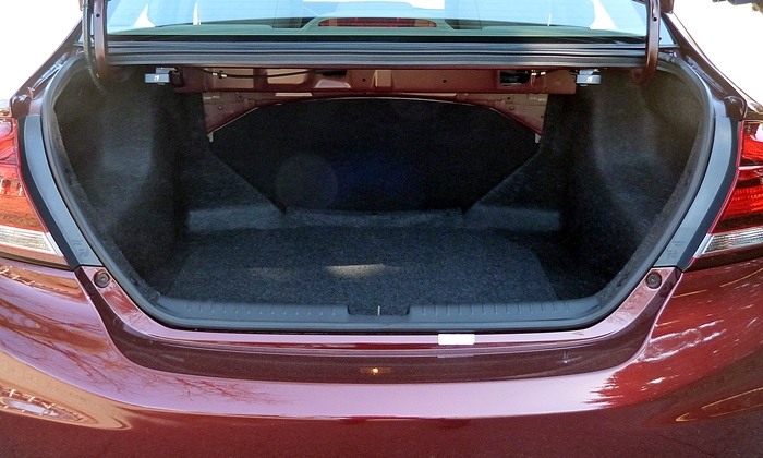 Civic Reviews: 2013 Honda Civic EX-L trunk