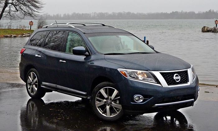 2013 Nissan Pathfinder Platinum front quarter rain