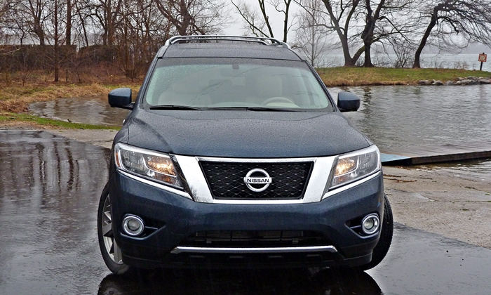 Pathfinder Reviews: 2013 Nissan Pathfinder Platinum front view rain
