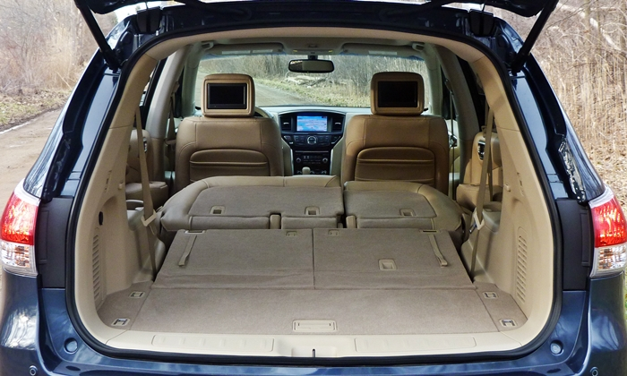 Nissan Pathfinder Photos: 2013 Nissan Pathfinder cargo area both rows folded