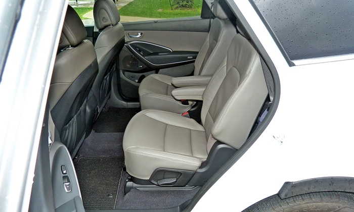 Santa Fe Reviews: 2013 Hyundai Santa Fe Limited second-row seats