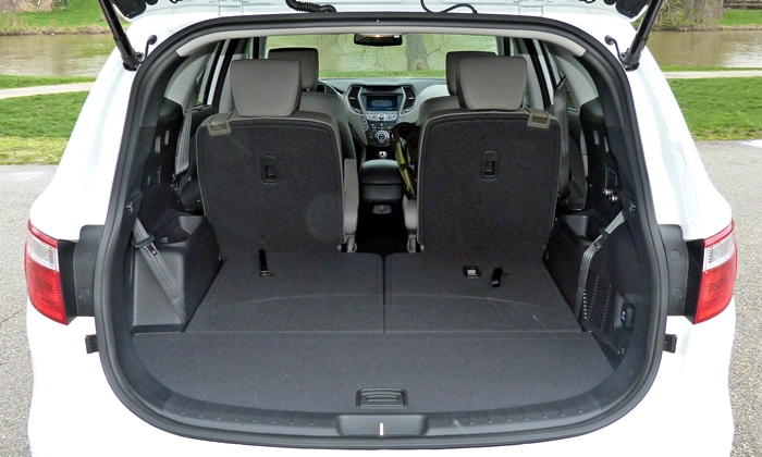 hyundai santa fe photos 2013 hyundai santa fe cargo area third row folded. Black Bedroom Furniture Sets. Home Design Ideas