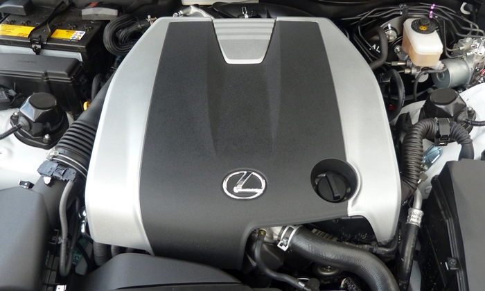 Lexus IS Photos: 2014 Lexus IS 350 engine