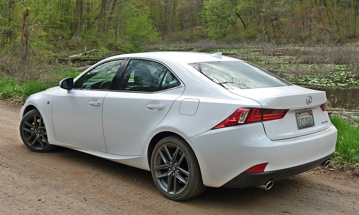 Lexus IS Photos: 2014 Lexus IS 350 F Sport rear quarter