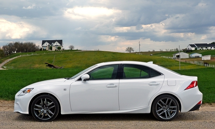 Lexus IS Photos: 2014 Lexus IS 350 F Sport side