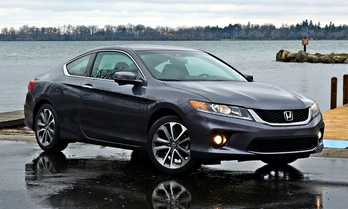 Accord Reviews: 2013 Honda Accord Coupe V6 front quarter