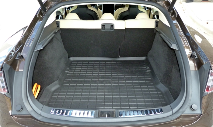 Model S Reviews: Tesla Model S cargo area