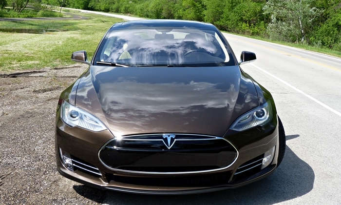 Model S Reviews: Tesla Model S front