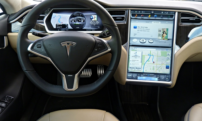 Model S Reviews: Tesla Model S instrument panel