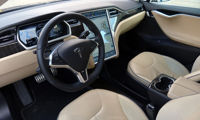 Model S Reviews: Tesla Model S interior