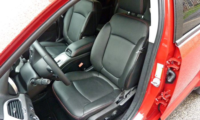 Dodge Journey Photos: 2013 Dodge Journey R/T front seat