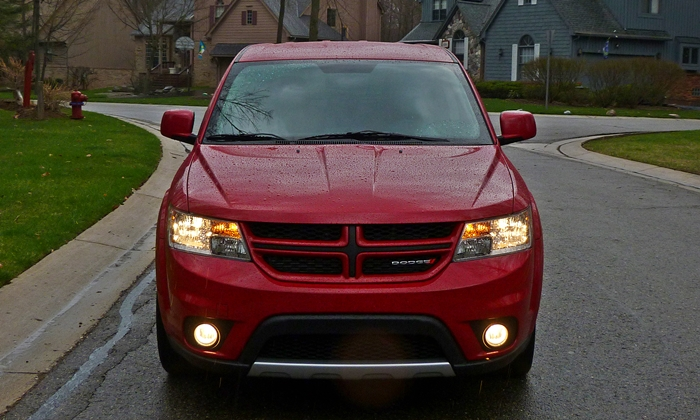 Dodge Journey Photos: 2013 Dodge Journey R/T front