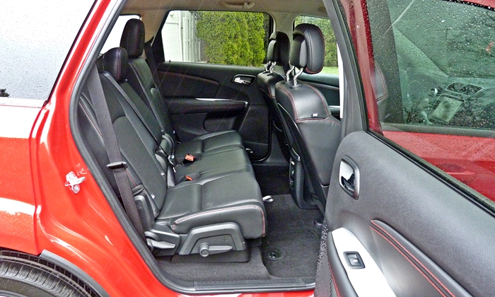 Dodge Journey Photos: 2013 Dodge Journey R/T rear seat