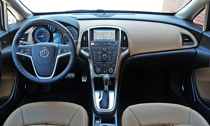 Buick Verano Photos: Buick Verano instrument panel full width