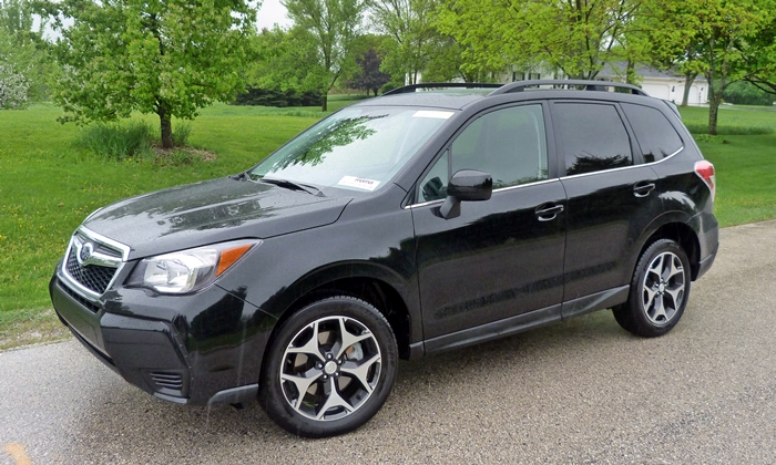 Subaru Forester Photos: 2014 Subaru Forester XT front quarter view