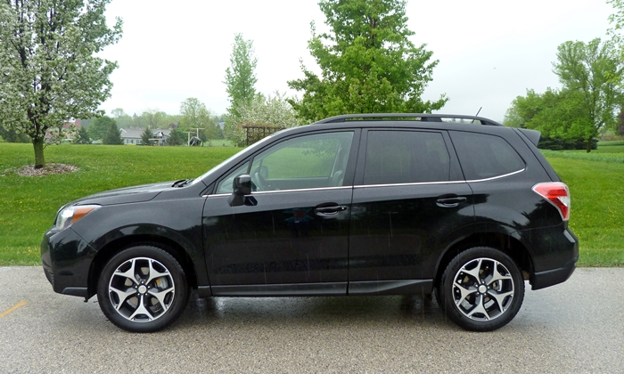 Subaru Forester Photos: 2014 Subaru Forester XT side view
