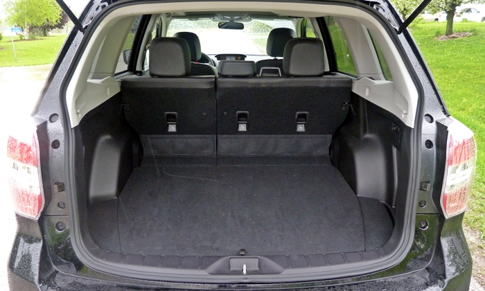 Subaru Forester Photos: 2014 Subaru Forester cargo area