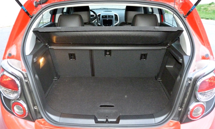 Chevrolet Sonic Photos: Chevrolet Sonic RS cargo area