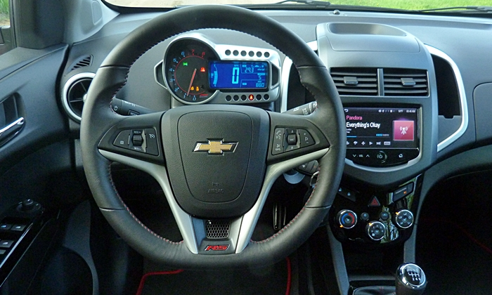 Sonic Reviews: Chevrolet Sonic RS instrument panel