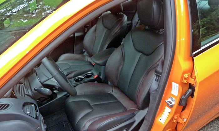 Dodge Dart Photos: Dodge Dart GT front seats