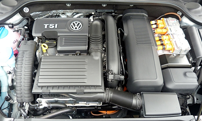 Jetta Reviews: Volkswagen Jetta Hybrid engine