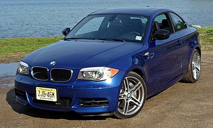 BMW 1-Series Photos: BMW 135is front angle