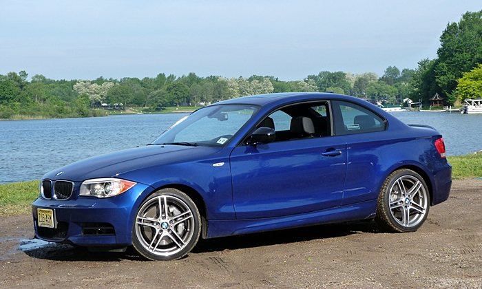 BMW 1-Series Photos: BMW 135is front quarter