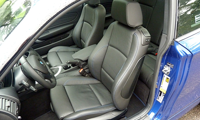 BMW 1-Series Photos: BMW 135is front seats