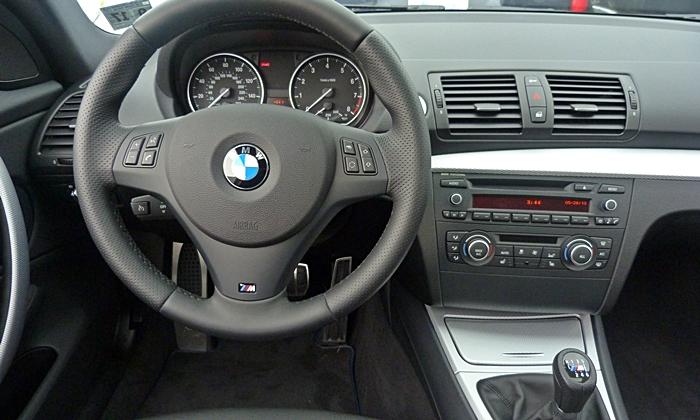 1-Series Reviews: BMW 135is instrument panel