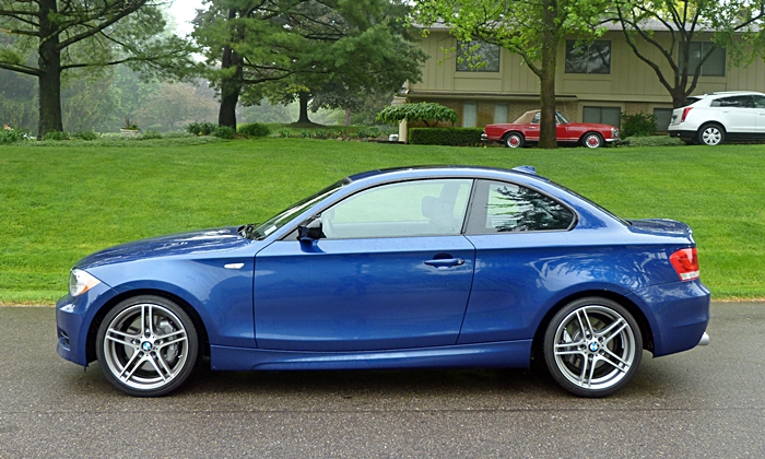 BMW 1-Series Photos: BMW 135is side Pagoda