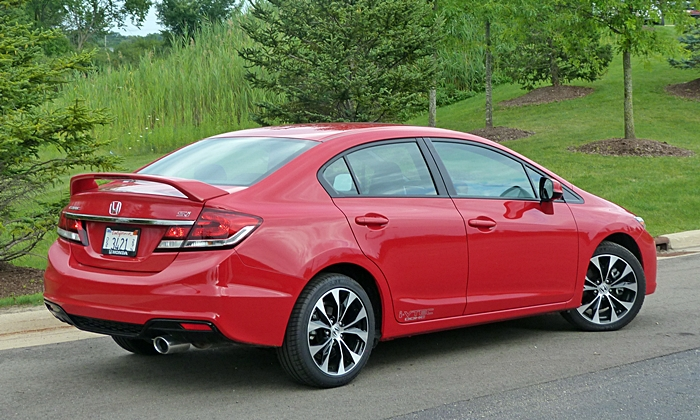 Civic Reviews: 2013 Civic Si rear quarter