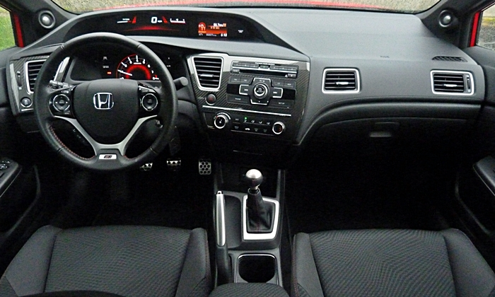 Honda Civic Photos: 2013 Civic Si instrument panel full width