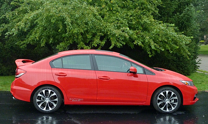 Honda Civic Photos: 2013 Civic Si side