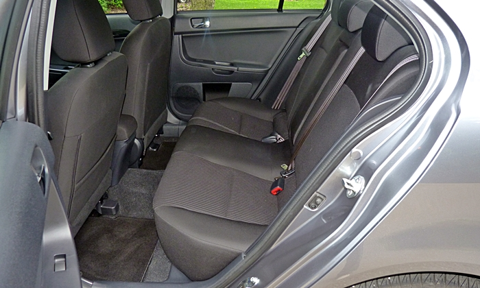 Lancer Reviews: Mitsubishi Lancer GT rear seat