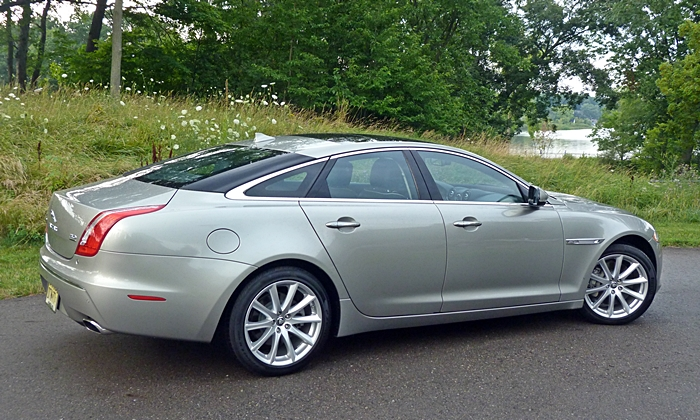 XJ Reviews: 2013 Jaguar XJ rear quarter view