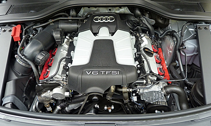Audi A8 / S8 Photos: Audi A8 L 3.0T engine