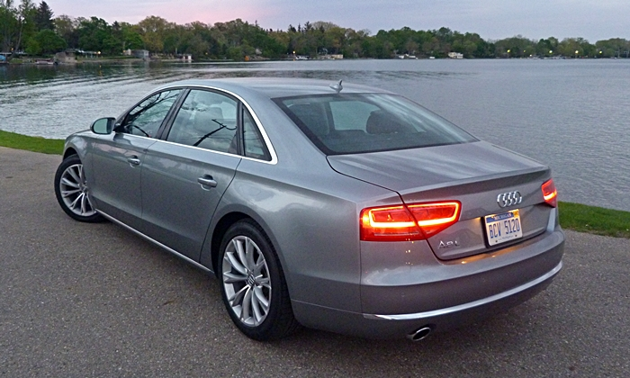 Audi A8 / S8 Photos: Audi A8 L rear angle