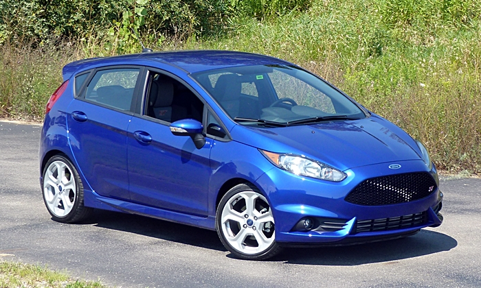 2014 Ford Fiesta ST front quarter view