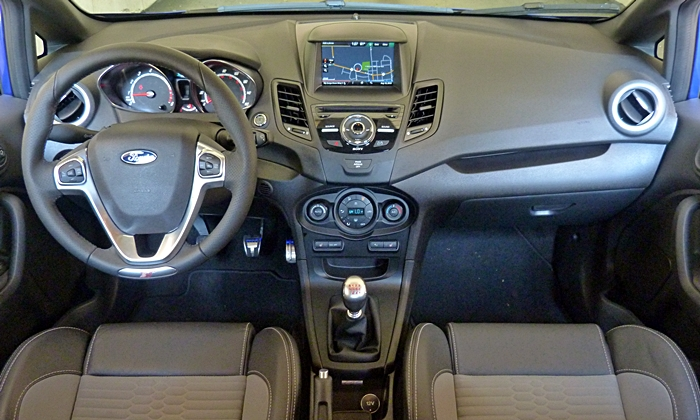 Ford Fiesta Photos: 2014 Ford Fiesta ST instrument panel full width