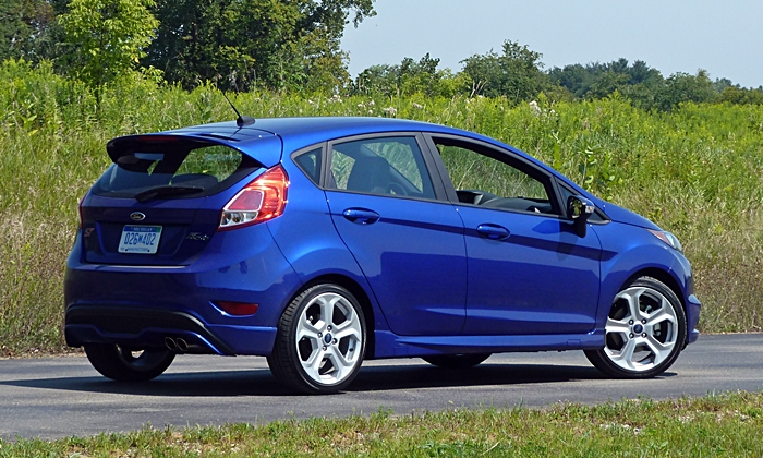 Fiesta Reviews: 2014 Ford Fiesta ST rear quarter view